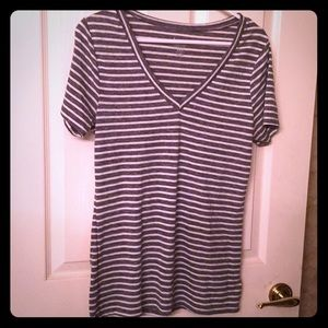 Women's V-neck T-shirt from the old navy